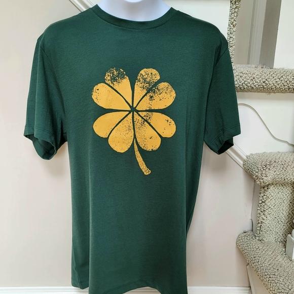 🆕️ J Crew Green T-shirt Gold Shamrock Clover